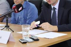 """CGO - Obilježavanje Međunarodnog dana nestalih, Udruženje porodica nestalih, kidnapovanih i ubijenih lica """"Crveni božur"""" i CGO, Podgorica, 30. 08.2016."""